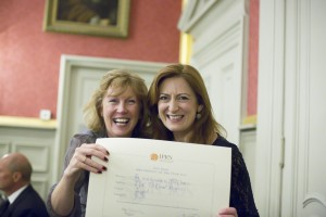 Sarah McOnie (left) and Mary Fitzgerald of The McOnie Agency, UK with winner's certificate for the Project of the Year B2B Category